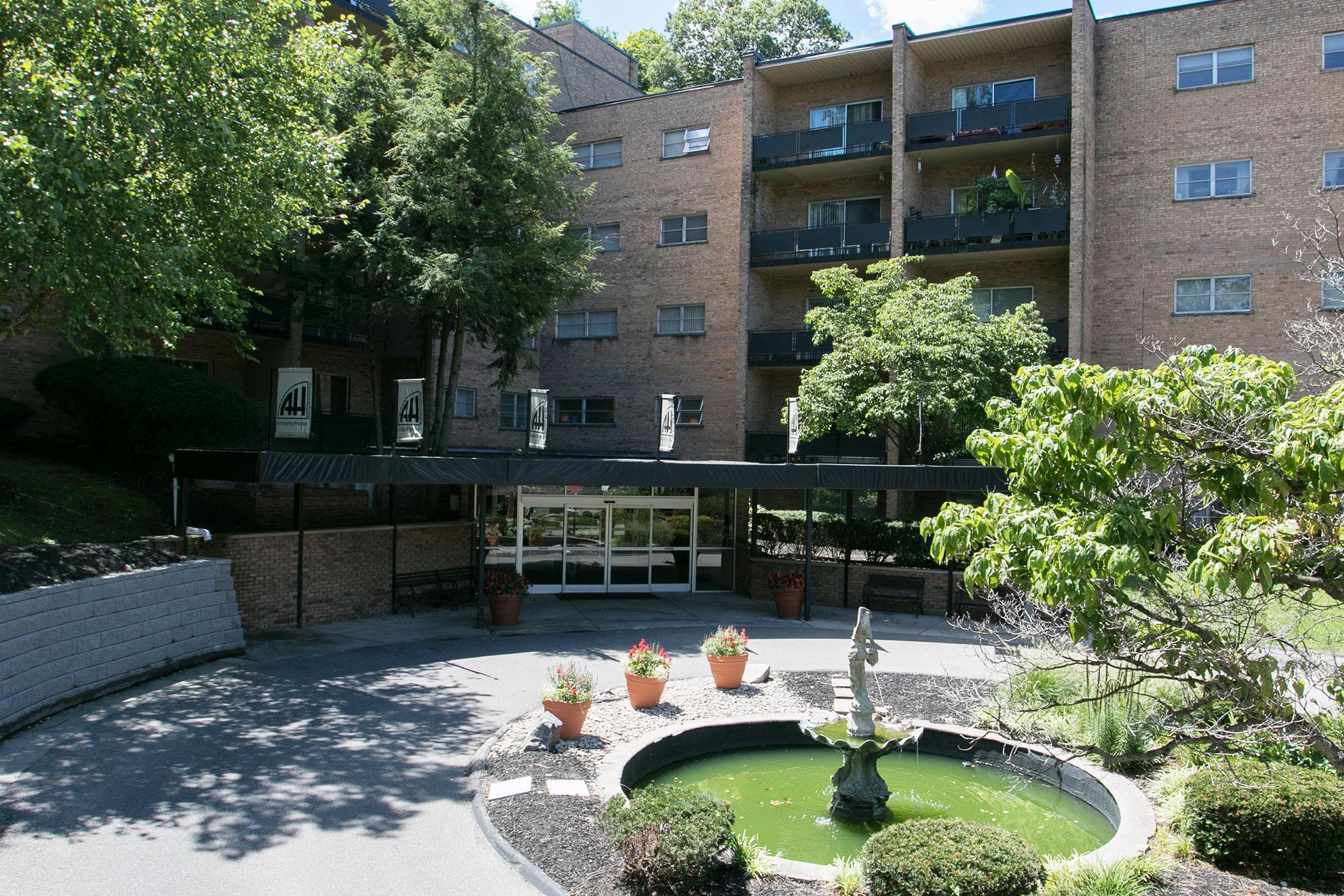 Amberley House Apartments Cmc Properties